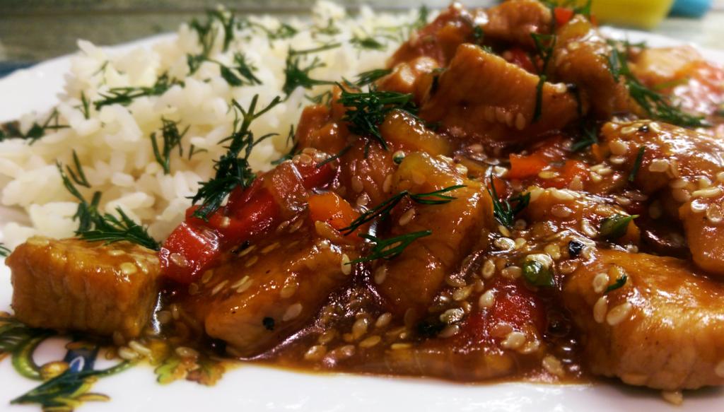 Turkey with vegetables, sesame and teriyaki sauce