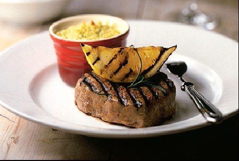 Grilled beefsteak with baked lentils