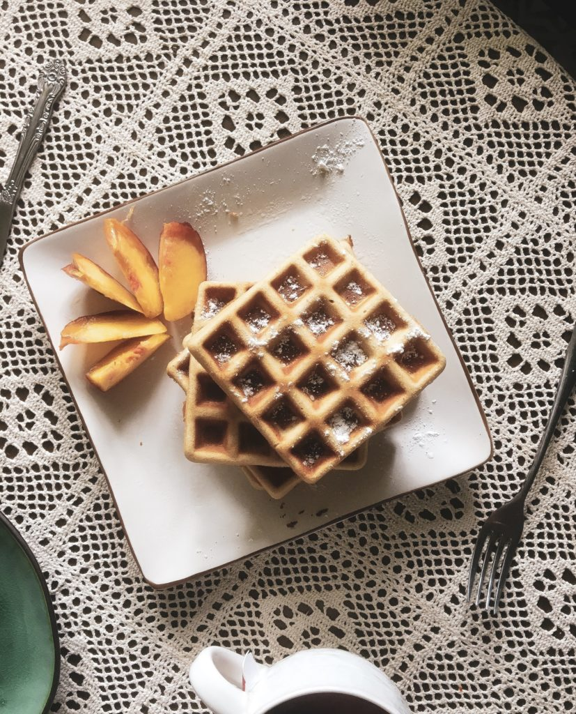 Viennese waffles with cinnamon