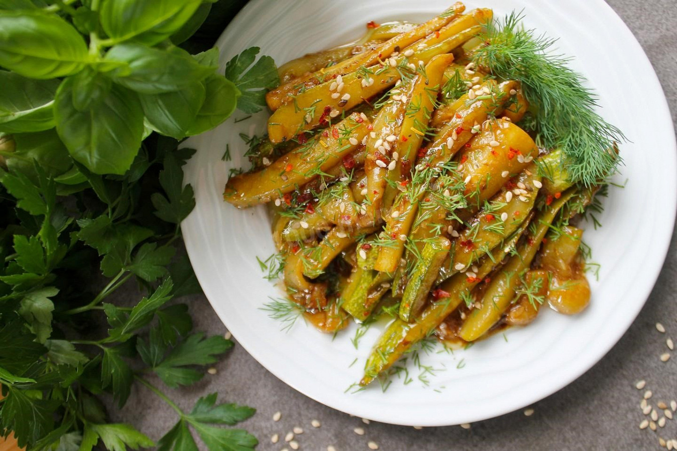 Spicy zucchini in soy sauce