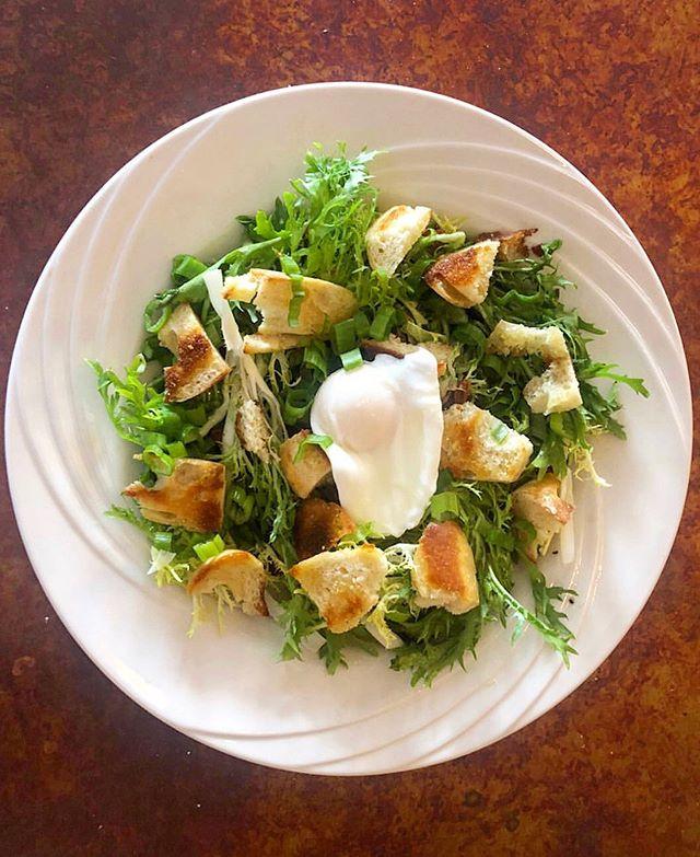 French frissé salad