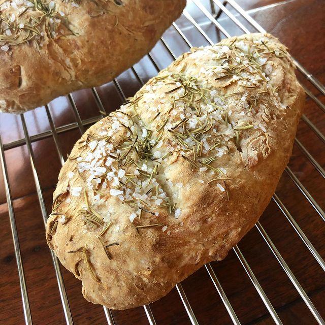 Rosemary and sea salt artisan bread