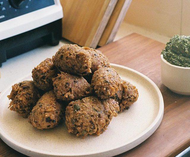 Potato, Pea and Halloumi Fritters