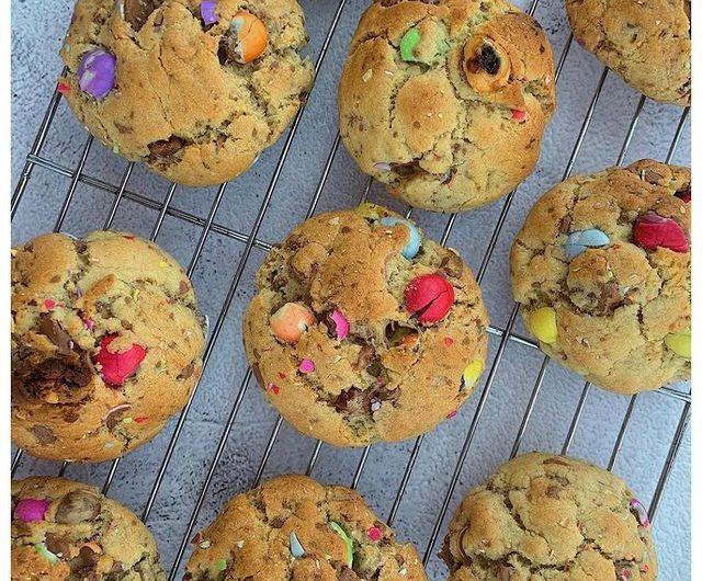 Smarties Egg Cookies