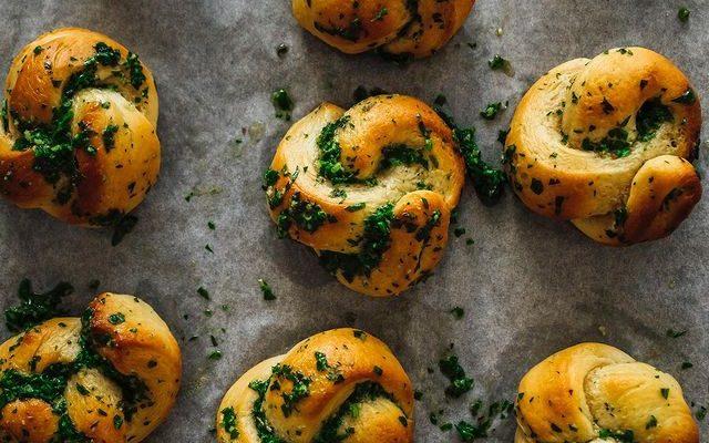 Homemade Garlic Knots