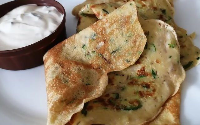 Salty mushroom-courgette crepes