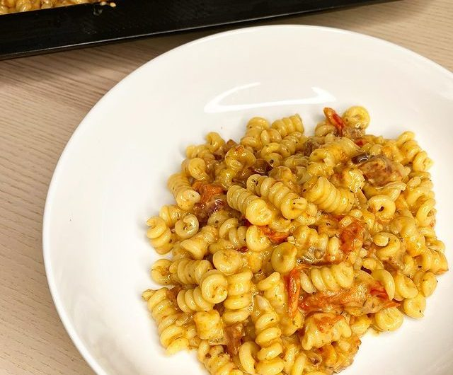 Tray Bake Chorizo & Mascarpone Pasta